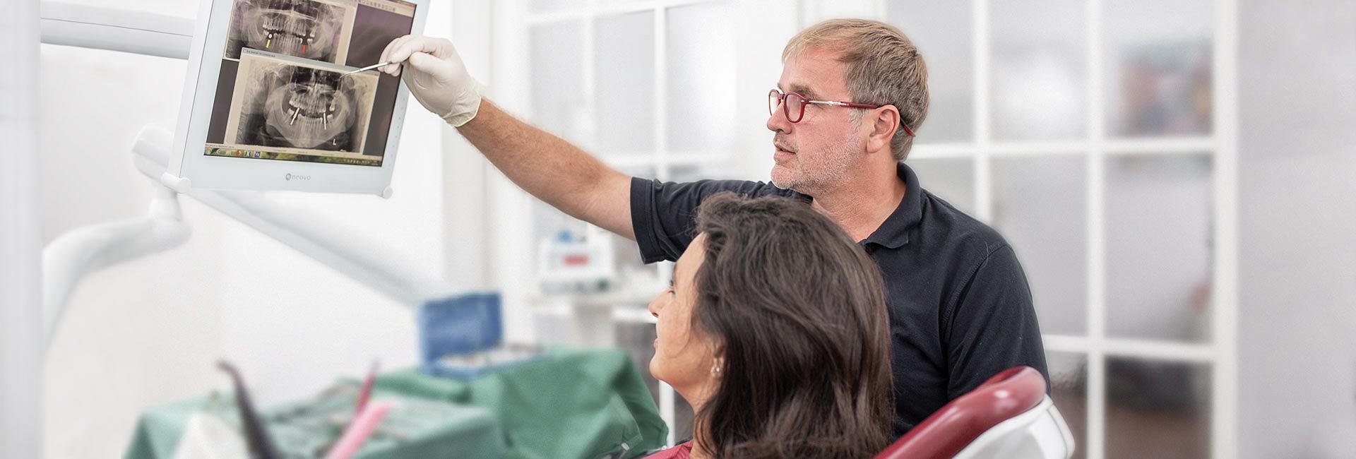 Implantologie - Zahnärzte Kaiserstrasse in Mülheim an der Ruhr